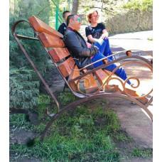 Лавочка садовая кованая, покрытие сидения - деревянный брус (лак) №004/1,7