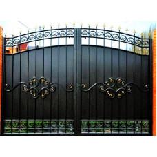Кованые Ворота металлические с врезанной калиткой, на столбах №022. Производство: Украина, Одесса