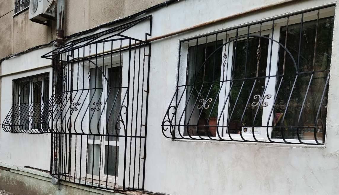 кованные решетки одесса, решетки на окна одесса, оконные решетки одесса, решетки на балкон Одесса, решетки Одесса, распашные решетки Одесса, решетки из металла Одесса, металлические решетки Одесса, кованые решетки Одесса, сварные решетки Одесса, простые решетки Одесса, красивые решетки Одесса, ажурные решетки Одесса